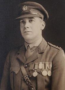 Lieutenant George INGRAM VC - Battles of the Hindenburg Line (1918) - Manchester Hill < Montbrehain < Aisne 14-18 < France. Pour en savoir plus sur ce héros, téléchargez l'application Victoria Cross, le parcours des héros !