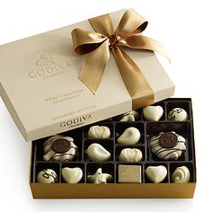 White Chocolate Indulgence  $29.00 #GODIVA