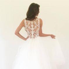 Nouvelle Amsale - Hong Kong - 婚紗 - Beautiful embroidered sheer back wedding dress