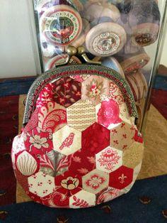 Thimble Stitch: My bag has had a baby