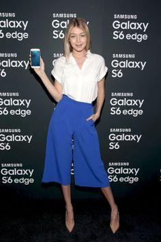 culottes-white-shirt-oxford-blue-cobalt-gigi-hadid-model-style-spring-trends-work-tomboy-via-getty.jpg (480×720)