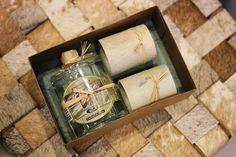 O kit com cachaça de Minas Gerais e os copinhos de pedra sabão também é uma excelente sugestão para agradar nesse dia dos pais :)  Veja onde adquirir nossas peças em http://www.fuchic.com.br/#!enderecosfuchic/cq3z  //   The kit with Minas Gerais cachaça and soapstone cups is also an excellent suggestion to please ai Father's Day :)  See where to get our products: http://www.fuchic.com.br/#!enderecosfuchic/cq3z