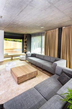 http://www.homedesignlove.com/2014/10/highly-contemporary-villa-m-in-slovakia.html