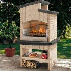 attractive design Barbecue fireplace with shelf with pizza oven From Ramona Berger Barbecue Garden, Outdoor Barbeque, Pizza Oven Outdoor, Backyard Patio, Backyard Landscaping, Backyard Fireplace, Diy Fireplace, Fireplace Design, Design Barbecue