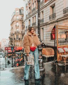 """Alice op Instagram: """"Montmartre 🇫🇷❤️📰 #visitparis #mhctravel"""""""