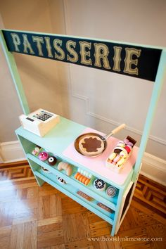 Build a kids pretend play patisserie with free plans.