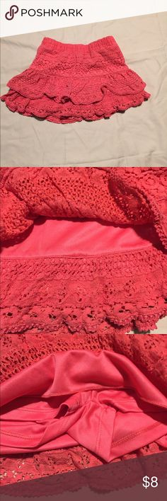 GUC! Justice size 7 layered peach colored skort GUC. Justice size 7 peach 🍑 colored lacy layered skirt/skort. Justice Bottoms Skirts