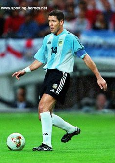 Diego Simeone God Of Football, Football Icon, Football Cards, Football Soccer, Fifa, Good Soccer Players, Football Players, Argentina Football Team, Football Stickers