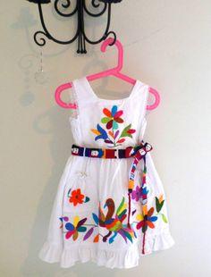 mexican dress otomi - Google Search Kids Party Wear Dresses, Kids Dress Wear, Kids Gown, Baby Girl Dress Patterns, Little Girl Dresses, Baby Dress, Girls Dresses, Baby Frocks Designs, Kids Frocks Design