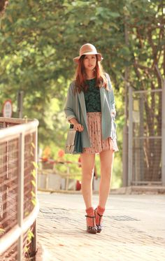 love her outfits. so cute and girly