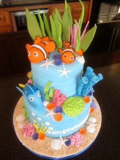 Finding Nemo Baby Shower Cake Baby shower cake with a Finding Nemo theme Finding Nemo Cake, Sea Cakes, Disney Cakes, Creative Cakes, Baby Shower Cakes, Themed Cakes, Party Cakes, Cake Decorating, Party Ideas