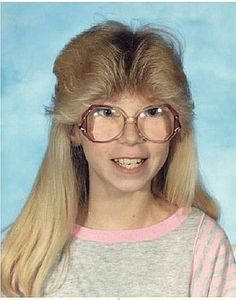 We often crave the retro fashion, music and pop culture from those days gone by, but what we don't crave is those bloody awful vintage haircuts! 80s Haircuts, Terrible Haircuts, Vintage Haircuts, 90s Hairstyles, Picture Day Hairstyles, Medium Hairstyles, Worst Haircut Ever, Haircut Fails, Care Haircut