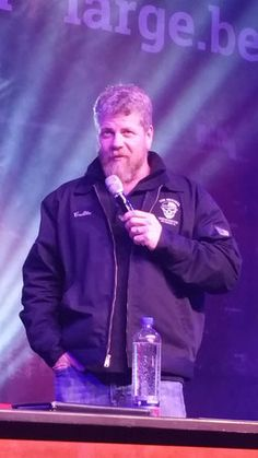 The softest vest ever - Michael Cudlitz - Conmose