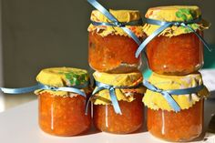 Need to get rid of dozens of baby food jars? I would LOVE to use them for canning bacon jam and port wine jelly for … Baby Jars, Baby Food Jars, Jam Recipes, Baby Food Recipes, Tangerine Recipes, Baby Food Jar Crafts, Bacon Jam, Good Food, Sweets