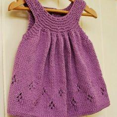 Kız Bebeklere Örgü Elbise Modelleri 190