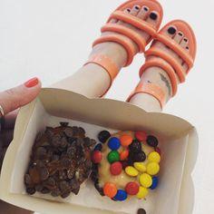 Ver esta foto do Instagram de @grazienegruni • 33 curtidas Donuts, Instagram Posts, Pictures, Frost Donuts, Beignets