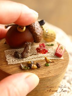 Tiny acorn trinket box
