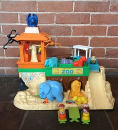 Vintage Fisher Price Little People Play Family Zoo 916 Complete | eBay