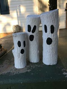 Ghost logs Simple Craft, offers simple prospects to deliver your personal merchandise ., Ghost logs Simple Craft, offers simple prospects to deliver your personal merchandise. The house describes the development of concepts and … Casa Halloween, Halloween Wood Crafts, Halloween Home Decor, Homemade Halloween, Outdoor Halloween, Diy Halloween Decorations, Holidays Halloween, Fall Decorations, Halloween Porch