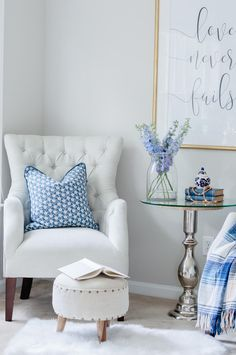 5 Easy Tips For A Cozy Master Bedroom Sitting Area - The Home I Create