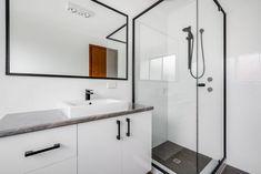 Bathroom Renovations Perth, Large Shower, Big Windows, Cabinet Makers, Double Vanity, Tub, Layout, Design, Bathtubs