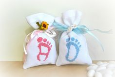 Baby Showers party favors, Baptism favors, Bomboniere, Confetti Bags, Baby foot hand embroidered favors, set of 20 by Lemiecreazionidarte on Etsy