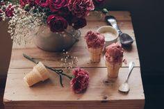 raspberry & white chocolate icecream | dona da casa! blog - http://tmblr.co/Zk4jHs1u-nc7N