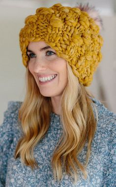 Look at this remarkable photo - what a very creative conception Easy Knit Hat, Knitted Hats, Crochet Hats, Hand Knitting, Knitting Patterns, Hat Patterns, Knitting Projects, Crochet Patterns, Chunky Yarn