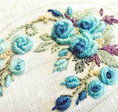 가을 맞이!!!!! . . #프랑스자수 #야생화자수 #야생화자수소품 #프랑스자수소품 #플라워스티치 #꽃자수 #로즈스티치 #핸드메이드 #취미스타그램 #예쁘다그램 #자수타그램 #embroidery #embroideryart #needlework #handcraft #handmade #flowerstitch #stitch #cozycoco #embroidery #embroideryart #daily #rose #beautiful #rosestitch