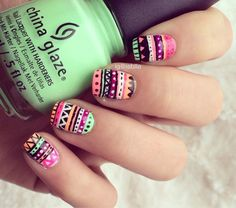 Pin de joseline adrien berrueta en uña en 2019 ногти, дизайн ногтей y идеи Tribal Print Nails, Aztec Nail Art, Tribal Nails, Tribal Prints, Love Nails, How To Do Nails, China Nails, Manicure E Pedicure, Beautiful Nail Designs