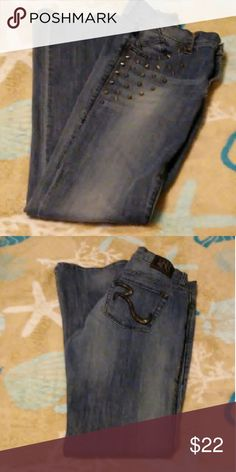 "*ROCK & REPUBLIC*  jeans Silver metal studs on front- leather ""R"" on back pockets- EUC Rock & Republic Jeans Boot Cut"