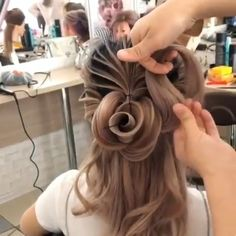 Millions of Creative Ideas about Art, Crafts, Decor, Diy, Nail Art Designs with Creative Styles. Creative Hairstyles, Fancy Hairstyles, Braided Hairstyles, Amazing Hair, Great Hair, Galaxy Hair, Hot Hair Colors, Hair Videos, Hair Designs