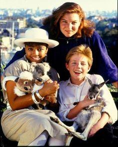Kim Fields, Mindy Cohn & Mackenzie Astin with kangaroo and koala Facts Of Life Cast, Mackenzie Astin, Mindy Cohn, Patty Duke, Life Tv, Family Tv, Fact Families, Old Tv Shows, Vintage Tv