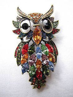 BUTLER & WILSON CRYSTAL GLASS LARGE MULTI COLOURED OWL  BROOCH  BOXED
