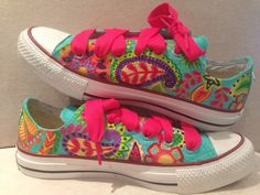 Trend step tennis pintados a Mano pedidos trendstepmn@hotmail.com Painted Clothes, Hand Painted Shoes, Custom Sneakers, Custom Shoes, Sharpie Shoes, Sharpie Projects, Safari Outfits, Espadrilles, Painted Sneakers