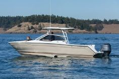 Cutwater C-24 DC - boats.com Yamaha 250, Cruiser Boat, Spiritual Images, Fresh Water Tank, Engine Types, Boats For Sale, Alternative Energy, Water Sports, Fishing