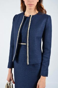 CHAQUETA CHANEL Business Outfits, Business Attire, Office Outfits, Elegant Office Wear, Fashion Pants, Fashion Dresses, Dress Suits, Office Fashion, Work Wardrobe