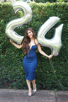 28 Ideas Birthday Photoshoot Poses For 2019 Birthday Party Outfits, Girl Birthday, 30th Birthday, Miami Fashion, Girl Fashion, Cute Birthday Pictures, Birthday Photography, Birthday Gifts For Boyfriend, Girl Pictures