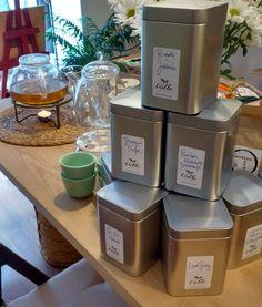 #workingprogress de una #exquisita carta de #tés #gourmet para un lugar especial en calle De los Reyes #barriouniversidad ... Más detalles en breve...;-) #felizviernes #valletealovers #slowrevolution #love #latas  #teaexperiences #container #pequeñocomercio #tea #condeduquegente #malasañamola #madrid by tevallegourmet
