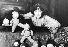 Rose O'Neill and her Kewpie dolls :)