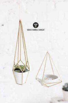 I Spy DIY: Himmeli geometric hanger, for pots, air plants, plates or bowls. Classier than macramé! Diys, I Spy Diy, Idee Diy, Diy Hanging, Hanging Planters, Diy Projects To Try, Diy Kits, Diy Tutorial, Diy Furniture