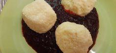 Pihe-puha túrógombóc útifűmaghéjjal és erdei gyümölcsmártással Muffin, Breakfast, Food, Morning Coffee, Essen, Muffins, Meals, Cupcakes, Yemek