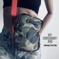 Crossbody Bag DIY + Pattern - Source by zimbolimbo Diy Bags Patterns, Sewing Patterns, Diy Fashion Videos, Diy Videos, Sewing Tutorials, Sewing Projects, Sewing Techniques, Handmade Bags, Bag Making