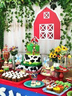 Ideas animal birthday cake for boys party ideas Farm Birthday Cakes, Animal Birthday Cakes, 2nd Birthday Boys, Cake Table Birthday, Birthday Party Desserts, Farm Animal Birthday, Boy Birthday Parties, Barnyard Party, Farm Party