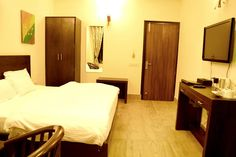 Affordable Hotels, Best Hotels, Best Weekend Getaways, Hotel Packages, North India, Valley View, Hill Station, Castle, How To Plan