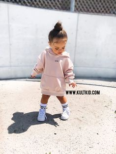 Best Picture For toddler girl outfits with tennis shoes For Your Taste You are looking for something Cute Kids Fashion, Baby Girl Fashion, Toddler Fashion, Teen Fashion, Korean Fashion, Toddler Girl Style, Toddler Girl Outfits, Toddler Girls, Toddler Hair