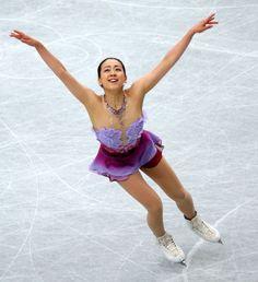 2013年12月22日、女子SPで首位に立った浅田真央の演技