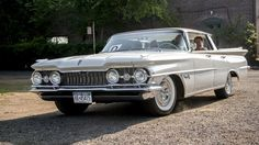 1959 Oldsmobile Super 88 Holiday Sedan