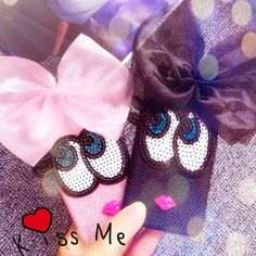 Patch Cases - Big Eyes. #cute #eyes #bigeyes #bow #lips #patch #emoji #fabriccase #sequins #phonecase #kiss
