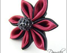 Red kanzashi flower crochet headband for by RoshelysBowtique